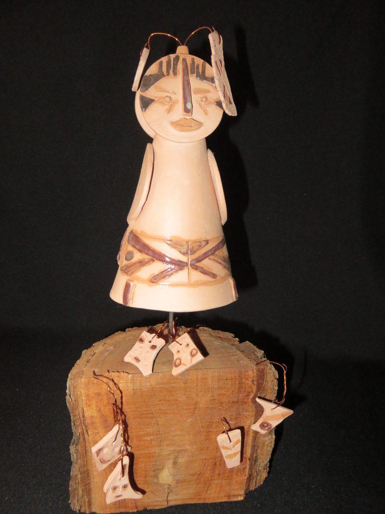 Marinilda Boulay, Para nossos ancestrais 3. Escultura em cerâmica.